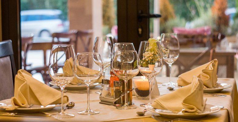 Organiser un rendez-vous d'affaires dans un restaurant