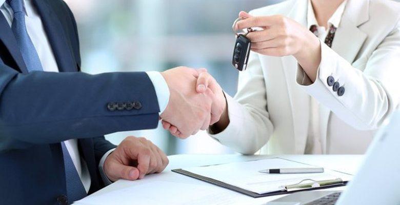 Crédit ou leasing : quel financement pour l'achat de sa voiture professionnelle ?