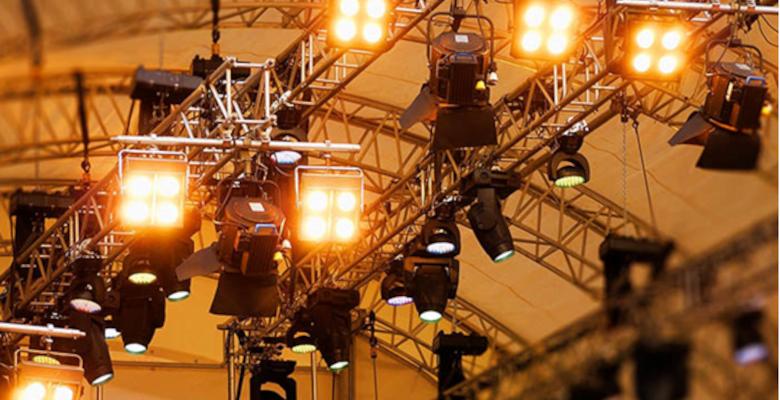 Éclairage évènementiel : les règles à connaître avant de le choisir